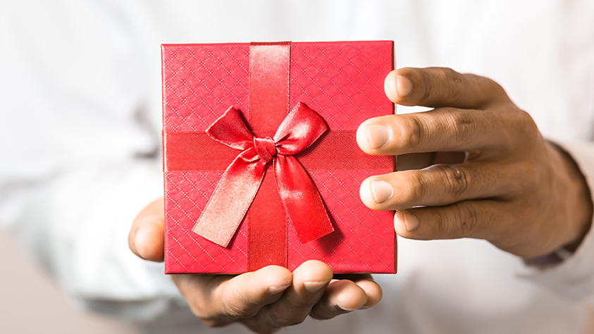 Micro Rewards für Mitarbeiterempfehlungen: Lieber den Spatz in der Hand als die Taube auf dem Dach